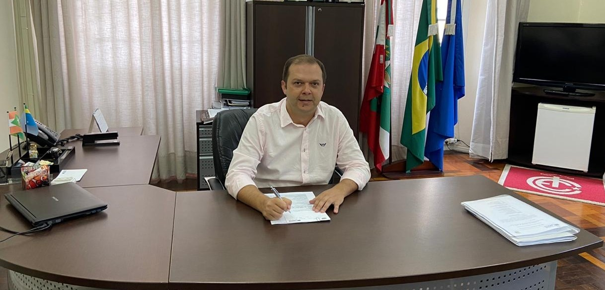 Juliano Polese assume a Prefeitura de Lages