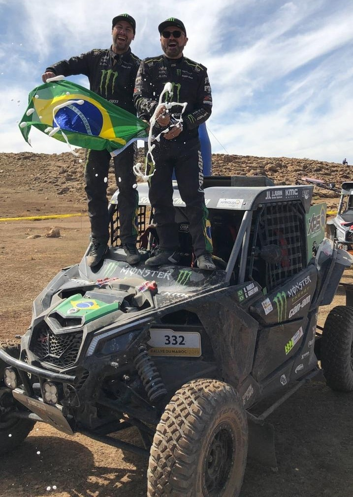 Lageano Gustavo Gugelmin é campeão mundial do rally Cross Country